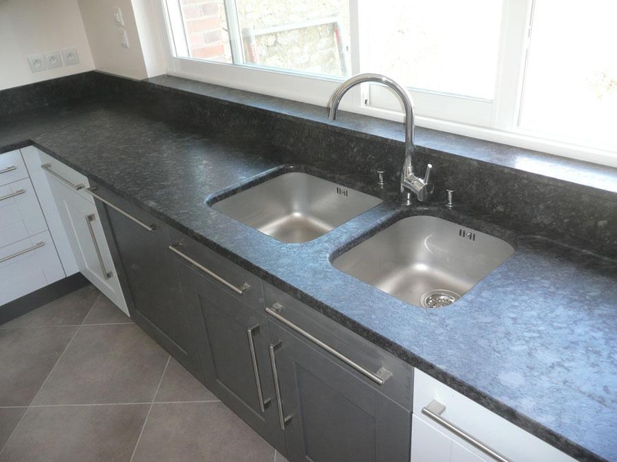 Plan de cuisine optez pour le granit avec la marbrerie vaux - Fixation plan de travail ...